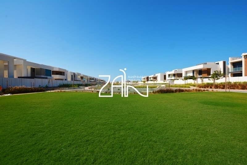 10 Corner 4+M BR Villa T2 in Fantastic Location