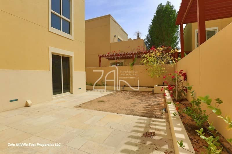 10 Superb 3+M Large Villa Type A with Study