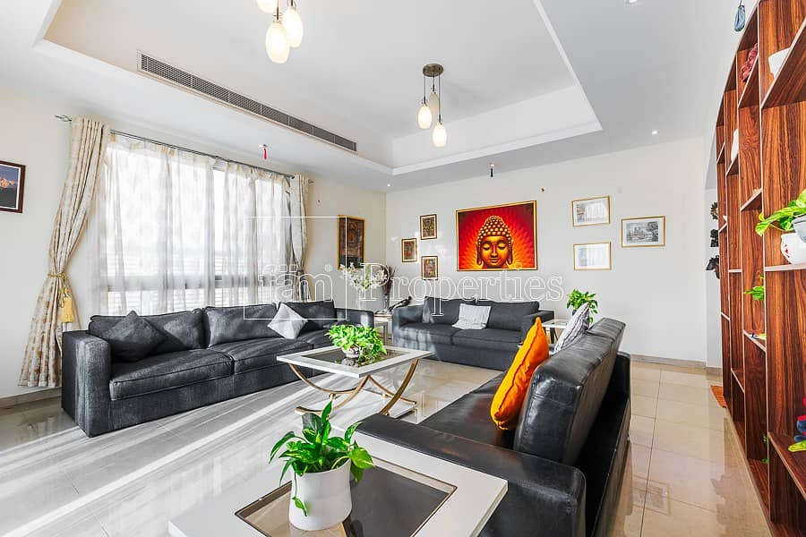 Bright and Modern 4 BR with Pool and Study Room