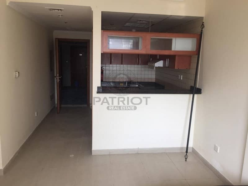 One bed For Rent Next To Marina Walk ( Chiller Free  )