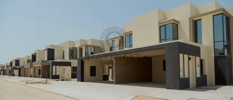2 Super distress Deal | Single Row | 3 Bedroom Townhouse