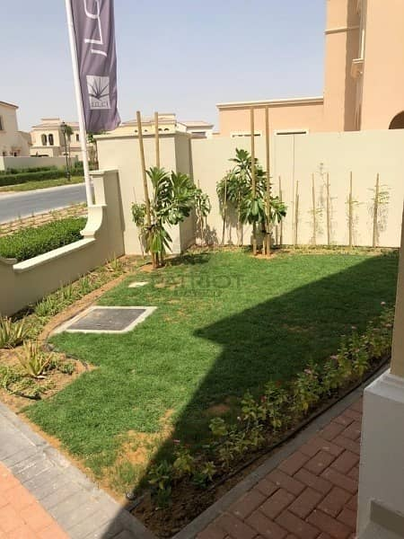 2 Great Investment Opportunity 5 Bed Villa  by Emaar