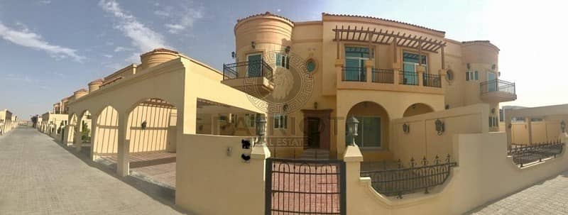 2  Beautiful 4 Bedrooms Villa in DIC - Dubai