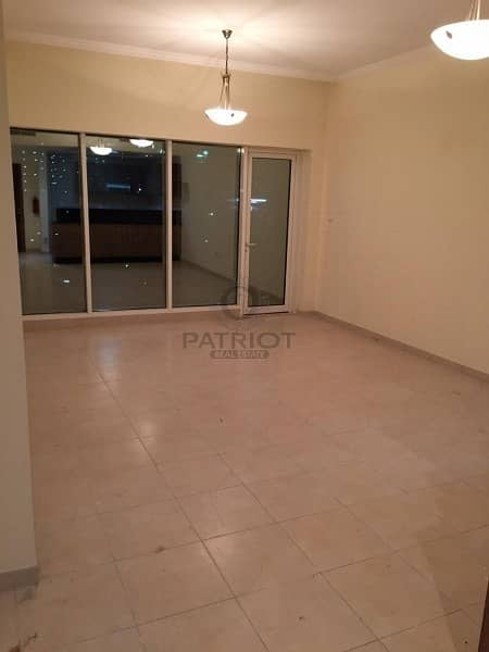 Amazing 1 BR in Downtown Burj Al Nujoom for the rent