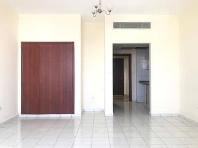 استوديو  للبيع في المدينة العالمية، دبي - شقة في طراز إنجلترا المدينة العالمية 250000 درهم - 4296026