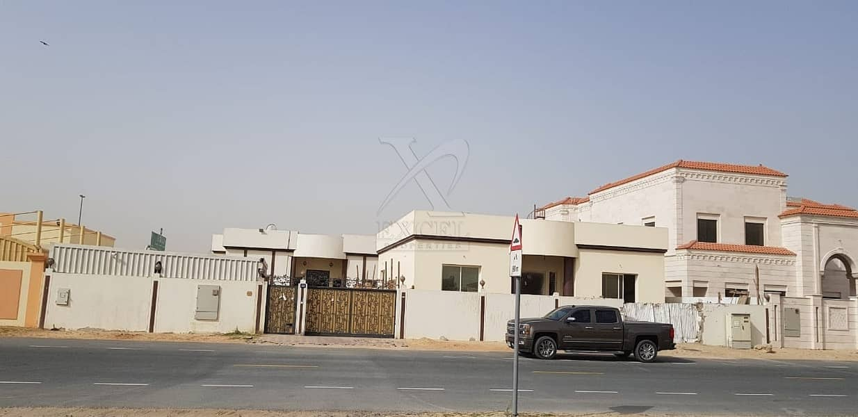 2 For sale Villa with 7 Bedrooms in Al Muhaisnah 3rd.