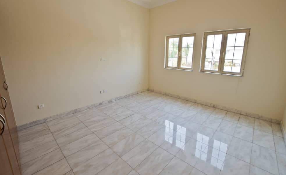 11 Wow wow wow this is spectacular very spacious 5 BHK Villa with 4 washooms in a compound in the heart of Al Garhoud