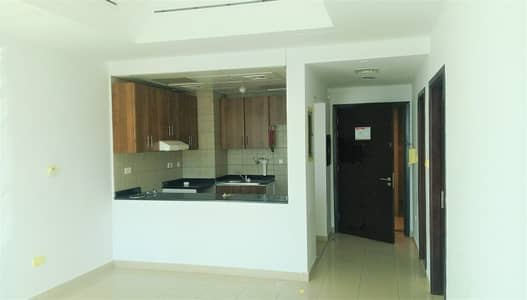 Studio for Rent in Electra Street, Abu Dhabi - Spacious Studio Available in Electra St with Pool & Gym
