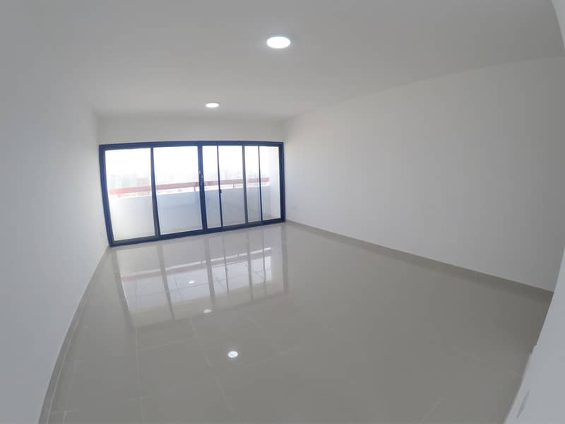 شقة في برج التغرید شارع المطار 40000 درهم - 4110610