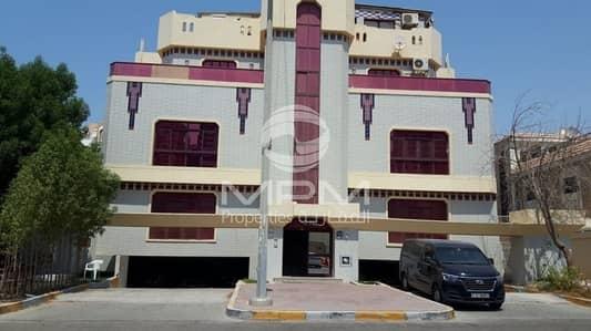 فلیٹ 3 غرف نوم للايجار في المرور، أبوظبي - Spasious 3 BR. + Maid's Room & Swimming Pool