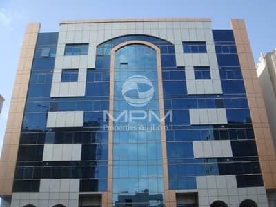 مکتب  للايجار في المرور، أبوظبي - Neat and Clean office on Mazanian Floor