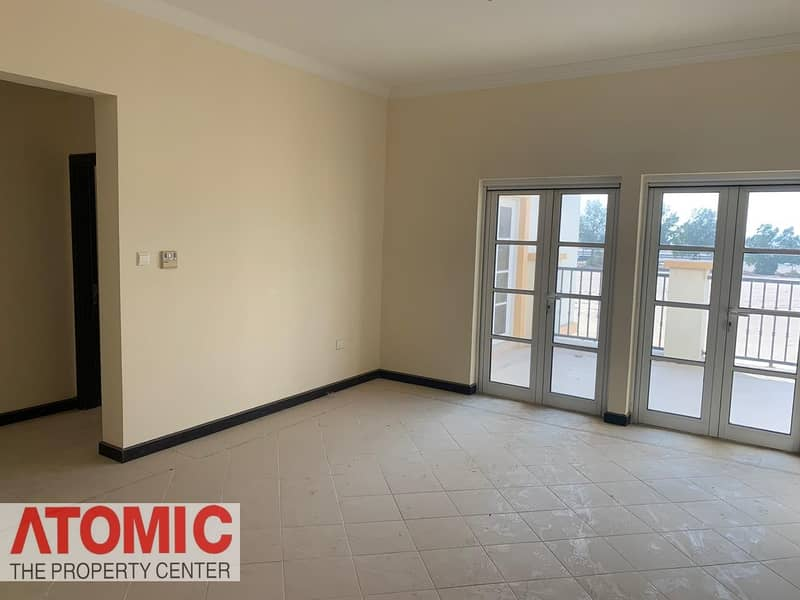2 No commission!pay in Multiple Cheques!4 Bedroom Villa For Rent