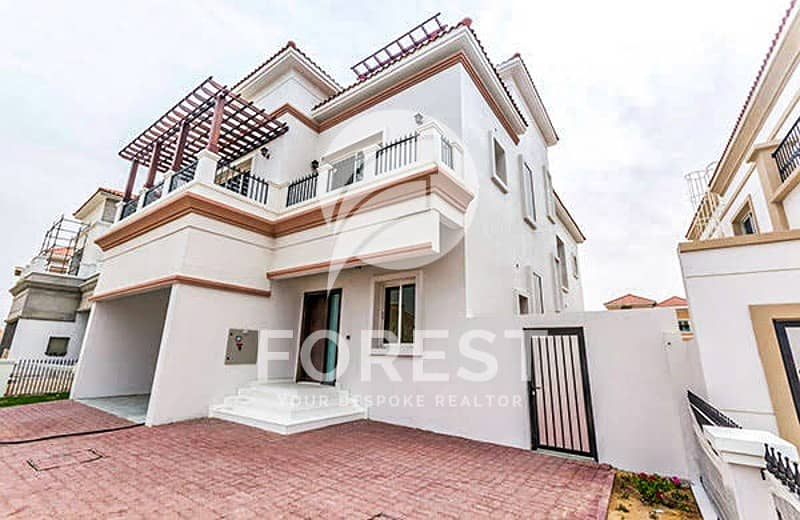 Spacious 4 BR Villa with Private Pool Unfurnished