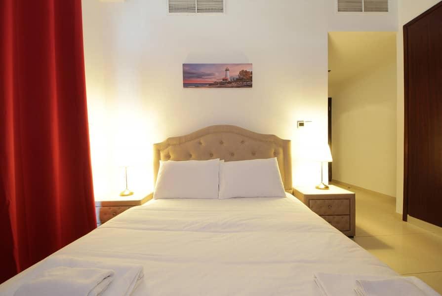 Available 2 Bedroom Apartment In Dubai Marina Lake
