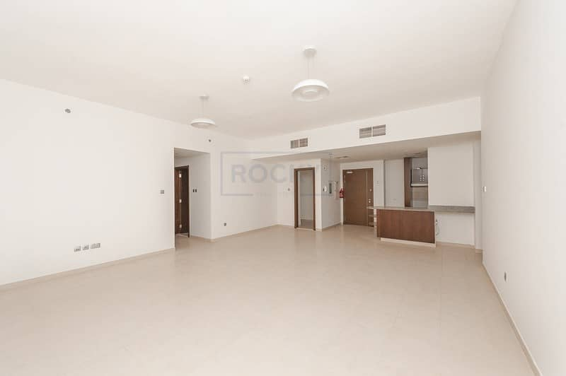 2 Wonderful View! 2 B/R with Balcony Apt Near Jumeirah Beach Road | Umm Suqeim 2