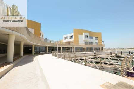 محل تجاري  للايجار في البطين، أبوظبي - Amazing Location | Bateen Marina Shop |