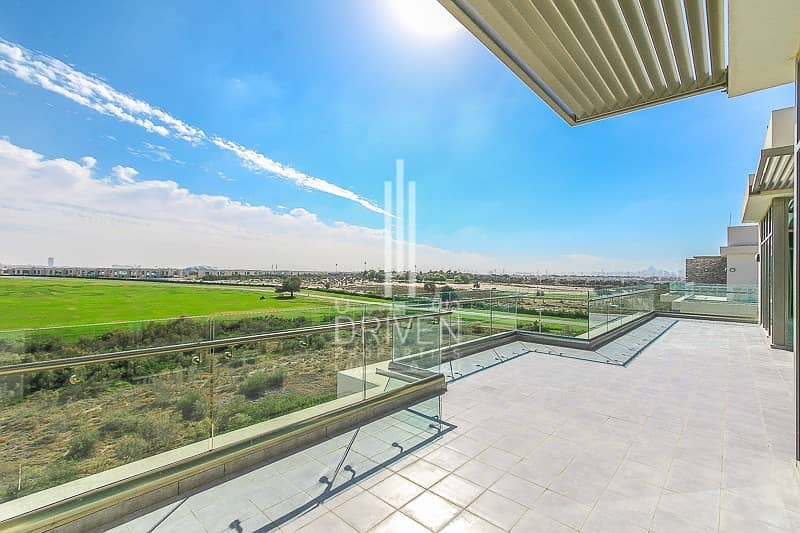 Elegant 2 Bed with Palace View | Terrace