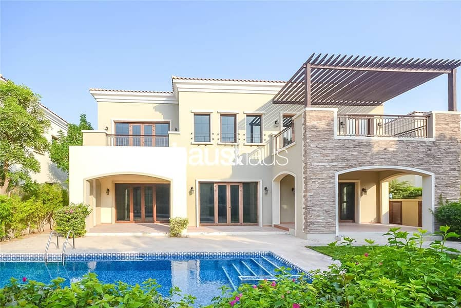 2 Most sought after Valencia   Golf views   5 B/R