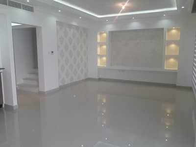 3 Bedroom Villa for Rent in Al Samha, Abu Dhabi - big and nice 3br Villa in al Reef 2 fully furnished, kitchen appliances, Land scap,