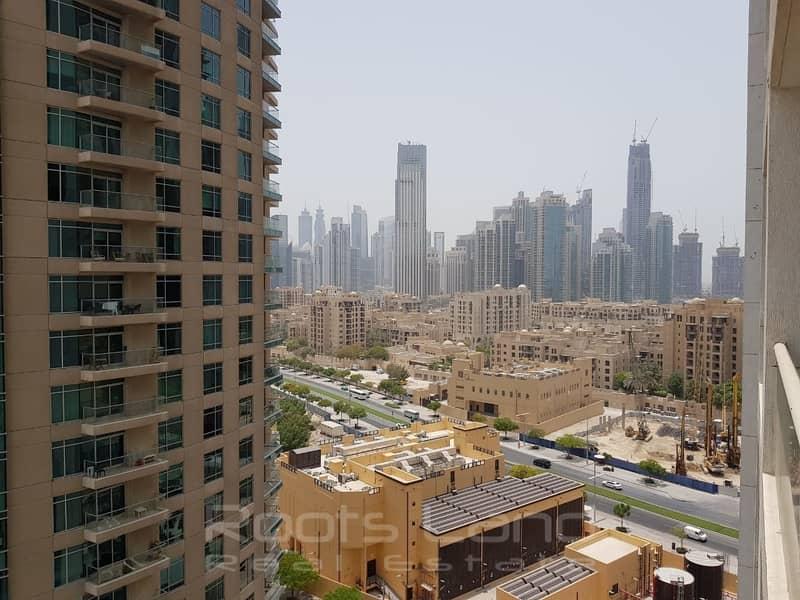 Downtown Studio l Balcony l Burj Al Nujoom
