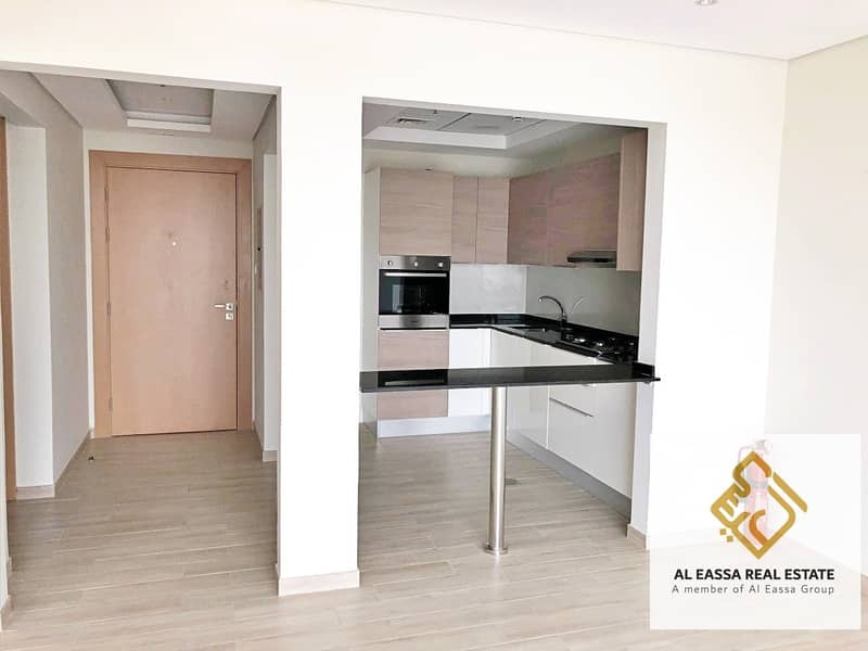 2 Pool view   Kitchen equipped   Modern 1BR