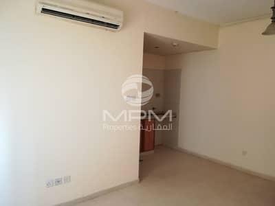 فلیٹ 1 غرفة نوم للايجار في مويلح، الشارقة - spcious and cheap 1BR  Muweilah near Galaxy market