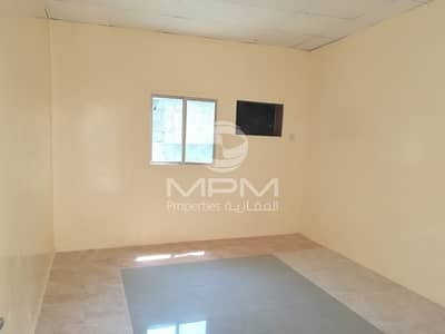 Labour Camp for Rent in Industrial Area, Sharjah - Labor Camp Industrial - 4 Main road -Sharjah