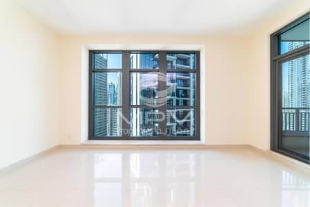 2 Bedroom Flat for Rent in Downtown Dubai, Dubai - Large spacious  2 Bedroom   Apartment Available for Rent in Claren