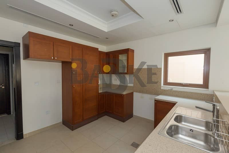 21 Best Location | Single Row | 3 Bed Vacant