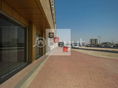 معرض تجاري  للايجار في ديرة، دبي - Neat and Clean Showroom Available for Rent in Al Ithihad Road