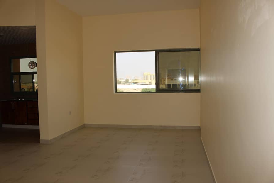 10 Studio available for rent in a brand new building - Al felaya