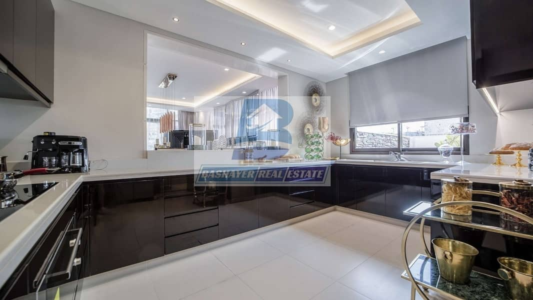 11 Ready To Move -Luxury Stand Alone Villa - 5 Bed Room Full Golf View