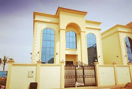 5 Bedroom Villa for Sale in Al Helio, Ajman - On the main street directly with electricity and water very fine finishing