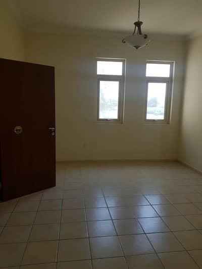 4 Bedroom Villa for Rent in Jumeirah Islands, Dubai - 4 Bedrooms  Study Room Villa Jumeirah Island