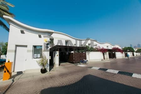 3 Bedroom Villa for Rent in Jumeirah, Dubai - Fully Renovated Modern style|Private Garden