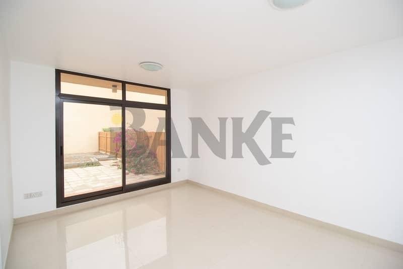 2 Renovated 3 bed villa in compound