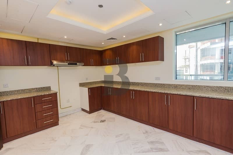 2 |4 BED LUXURY PENTHOUSE FOR SALE IN BUSINESS BAY