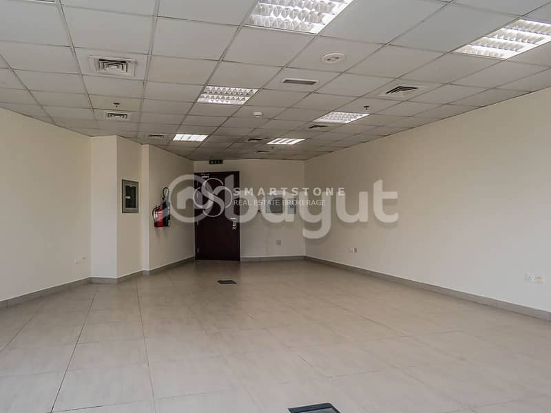 SPACIOUS OFFICE WITH PARKVIEW l HIGH STANDARD BUILDING WITH FULL FACILITIES