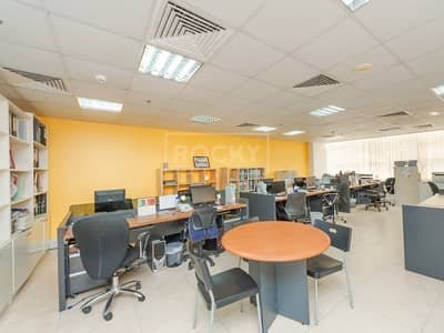 Office for Sale in Jumeirah Lake Towers (JLT), Dubai - Vacant on Transfer | Fitted | Spacious Office | with Pantry