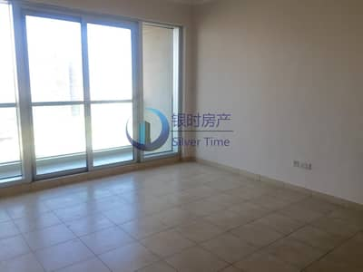 1 Bedroom Flat for Rent in The Greens, Dubai - Amazing 1 bed room for rent with huge balcony.