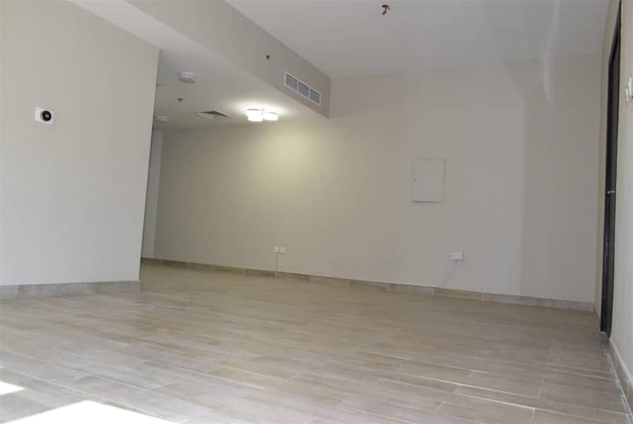 Fully Upgraded with Smart Energy Thermostat Energy Saver 3 Beds Duplex