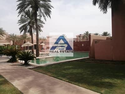فیلا 5 غرف نوم للايجار في المشرف، أبوظبي - Luxurious 5 BR Villa With Driver Room+Facilities.