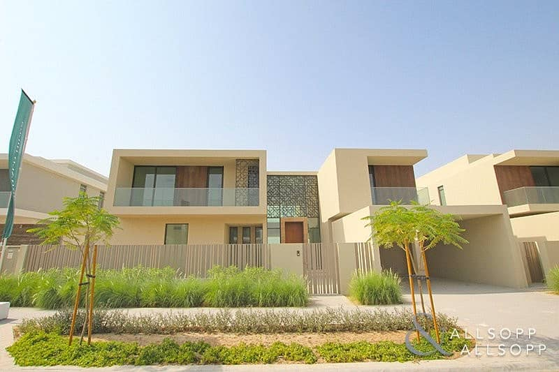 6 BED | MOTIVATED SELLER | VIEW TODAY<BR/><BR/>