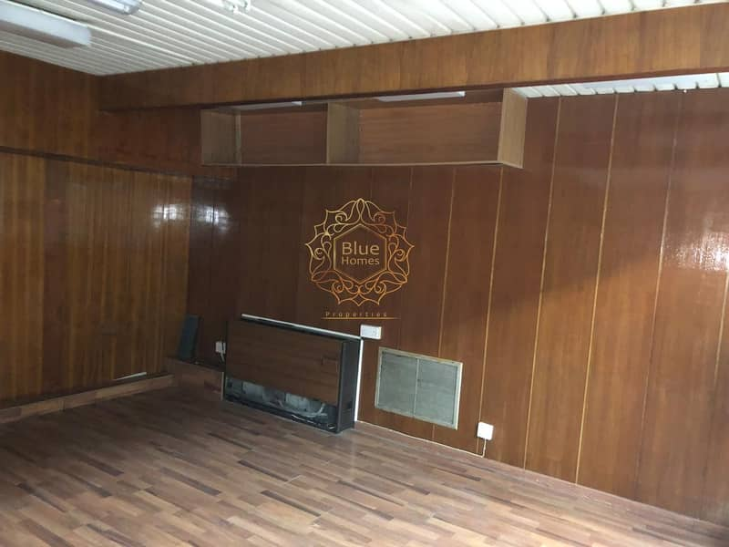 2 Beautiful Maintained office only in 34.8K