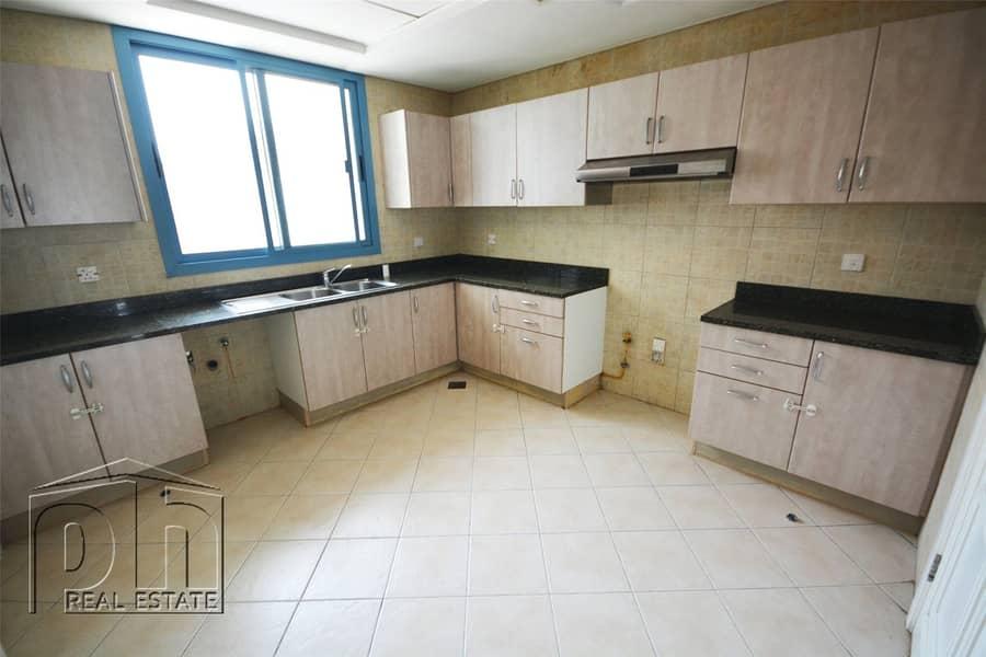 2 3 Bedroom Villa With Maids Room In Falcon City