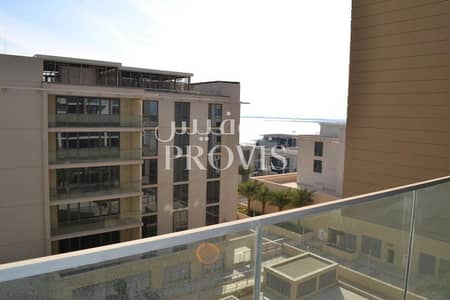 2 Bedroom Apartment for Rent in Al Raha Beach, Abu Dhabi - Move in straight in a Duplex apart-meant for you