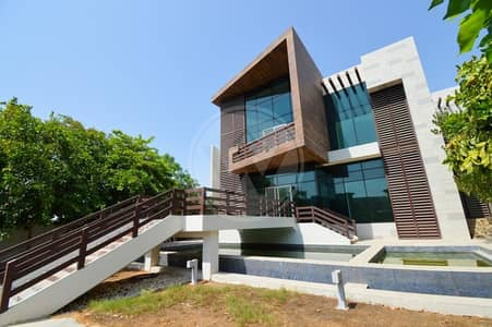 6 Bedroom Villa for Sale in Al Maqtaa, Abu Dhabi - This 1300 Sq. ft. luxury estate could be yours
