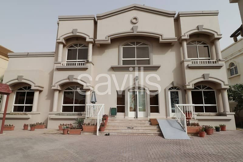 2 Primary located villa with swimming pool