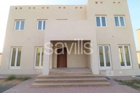 5 Bedroom Villa for Sale in Barashi, Sharjah - Well maintained spacious 5 bedroom villa