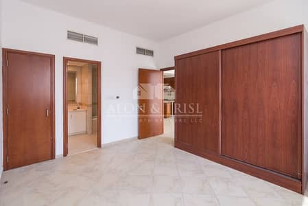 1 Bedroom Flat for Sale in Motor City, Dubai - Large One Bed   Equipped Kitchen   Vacant
